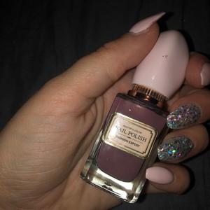 vernis violet clair