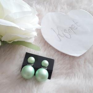 Boucles d'oreille perles vertes mattes