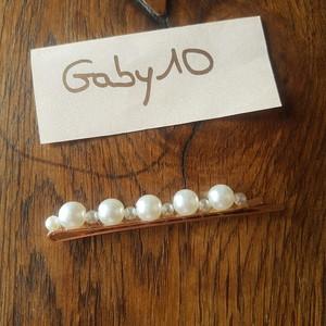 Barrette avec perles