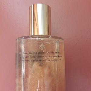 Soul shimmering body oil