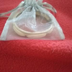 bracelets rigides  blanc