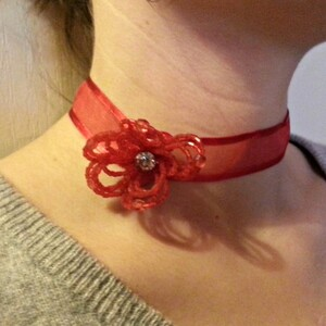 Ras de cou rouge fleur en perles & strass