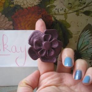 bague fleur violette