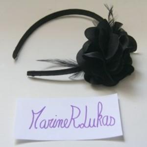 Serre tête noir à fleur