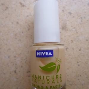 "Vernis ""abricot"" Manicure Naturals"