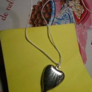 Coeur pendentif lacet blanc