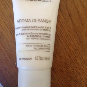 Aroma cleanse Crème mousse hydra éclat 3 en 1
