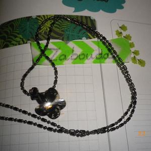 Chaîne + pendentif papillon gris