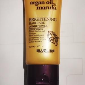 Brightening hair care