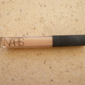 "Anti-cernes Nars ""Honey"""