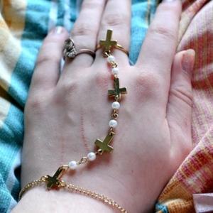 Bracelet Chaîne et Bague Perles Blanche et Croix