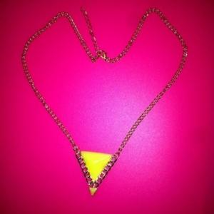 collier triangle chaine