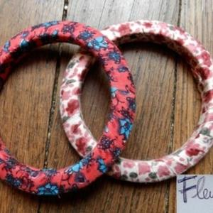 2 bracelets tissus fleuris