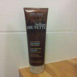 brillant brunette apres shampoing