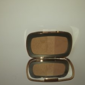 Palette Bronzer   The First Resort