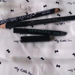 Crayons noirs pour les yeux