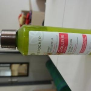 Spray protecteur cheveux colorés