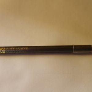 Crayon design pour les yeux