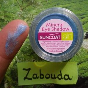 ombre à paupières minérale bleue