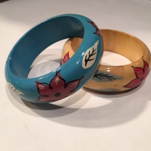 2 bracelets bois peints