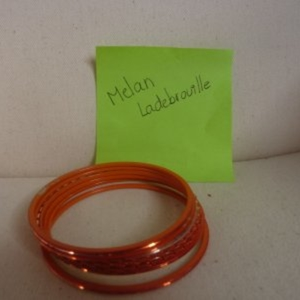 lot de bracelets indiens orange