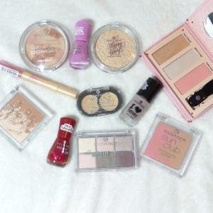 Essence Lot maquillage