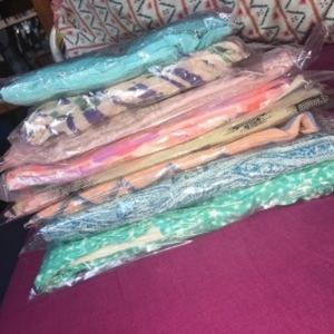 lot de foulards