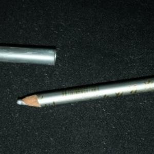 Eye liner long lasting gris clair